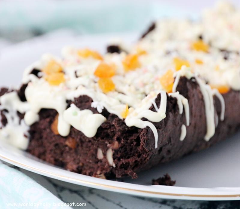 Ciasto wykonane z fasoli, bez cukru, mąki i glutenu, polana słodkim lukrem z pomarańczą