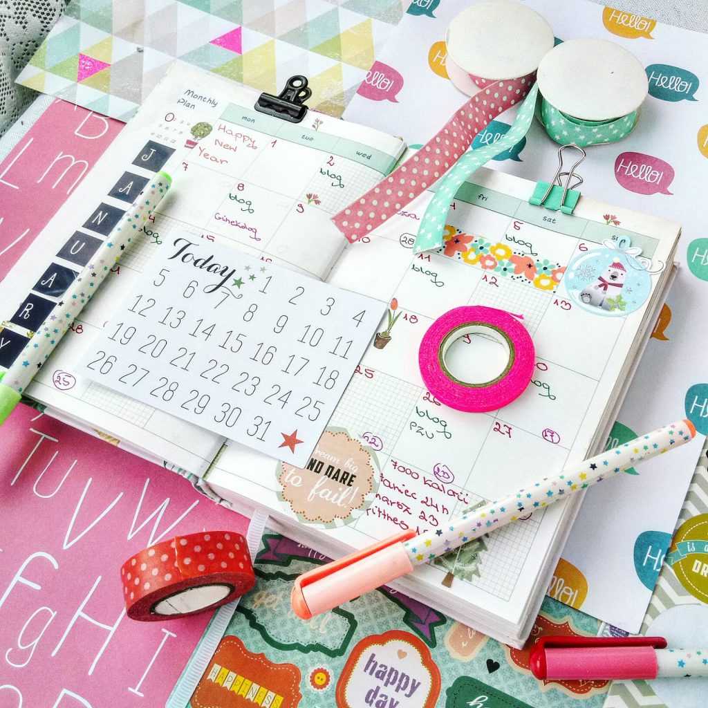 Rozkładówka miesięczna mojego kolorowego kalendarza, plannera