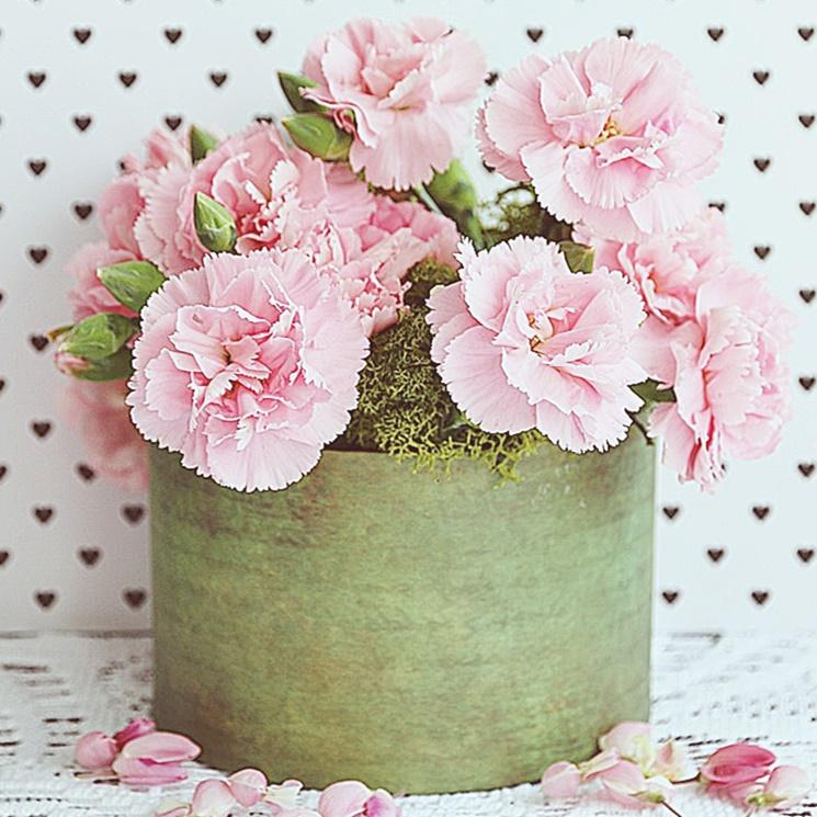 Flower box czyli kwiaty w oudełku. Koszyczek na kwiaty z papieruna