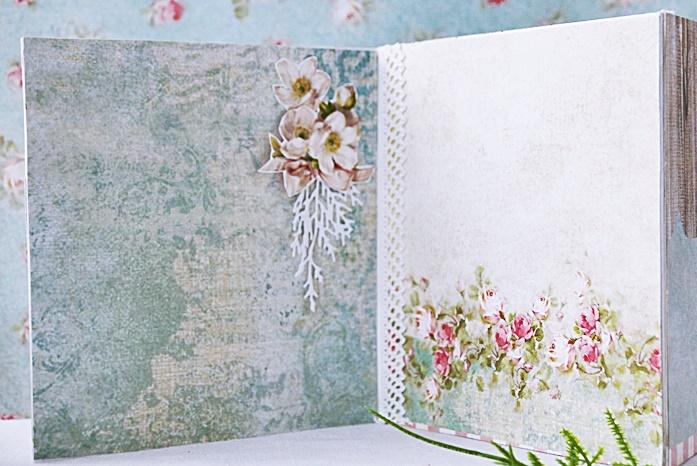 Strony w albumie DIY na zdjęcia, zrobionym na prezent na Dzień Babci i Dzień Dziadka