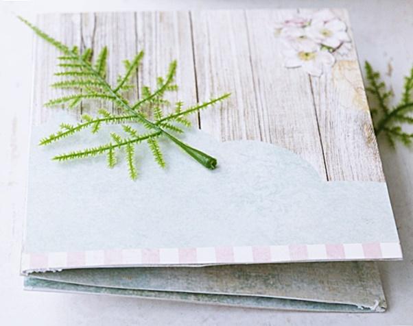 Składany papierowy mini album na zdjęcia